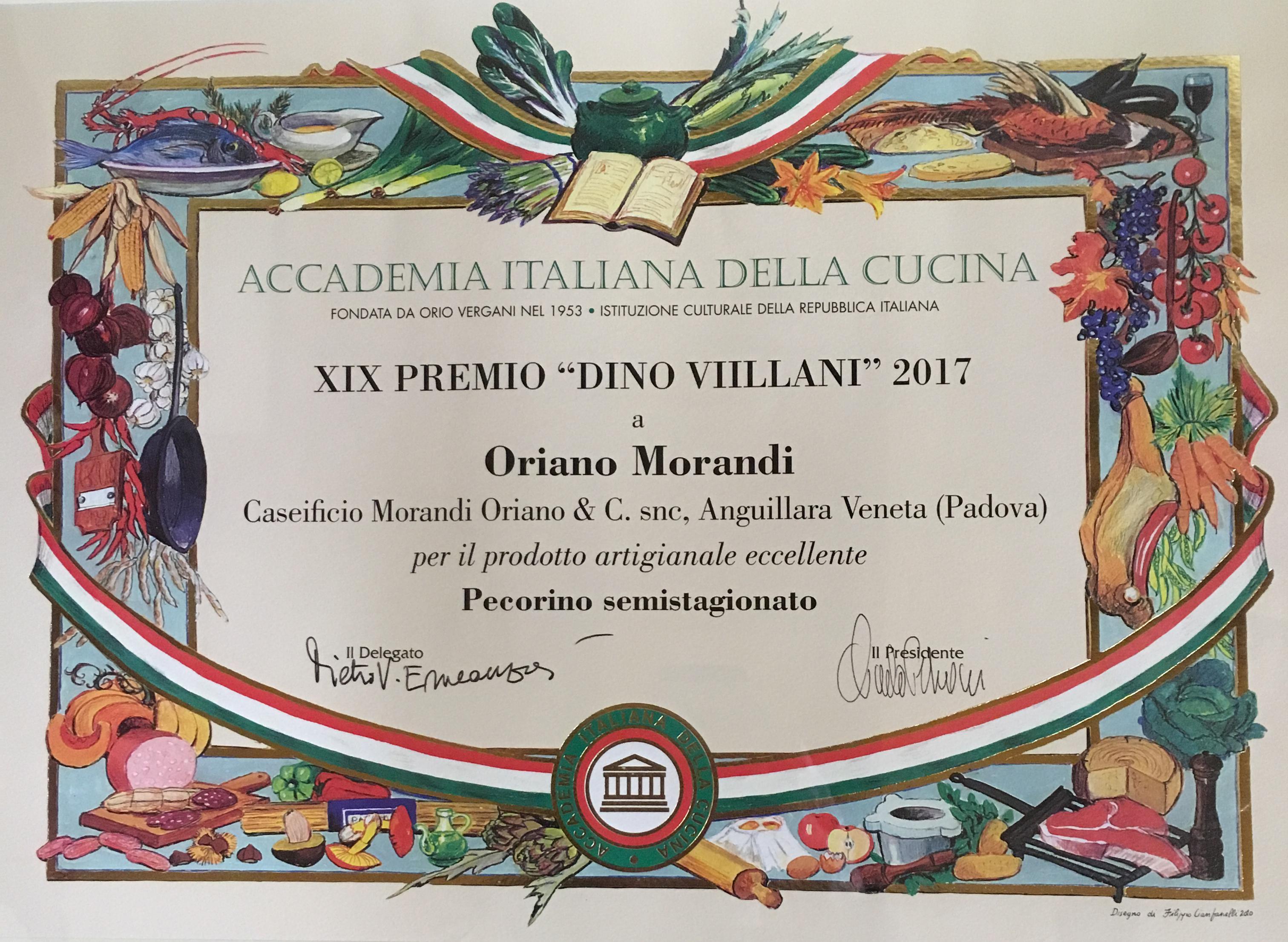 The love of a family is life's greatest blessing. • #caseificiomorandi #storiedicasamorandi #bambinifelici #mezzogiornoinfamiglia